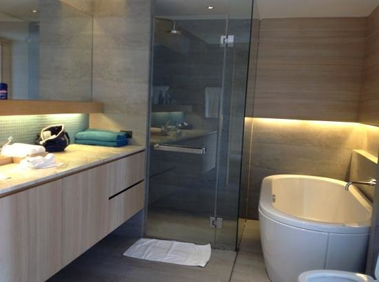 Nap Patong:                   spacieuse salle de bain