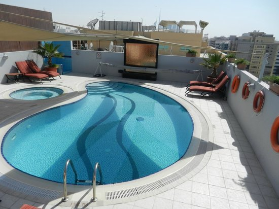Savoy Suites Hotel Apartments :                   Dachpool