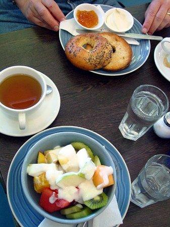 Danas Deli Cafe