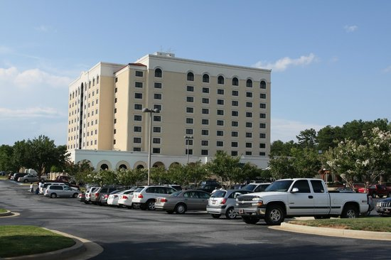 Embassy Suites by Hilton Greenville Golf Resort & Conference Center:                   Embassy Suites Greenville