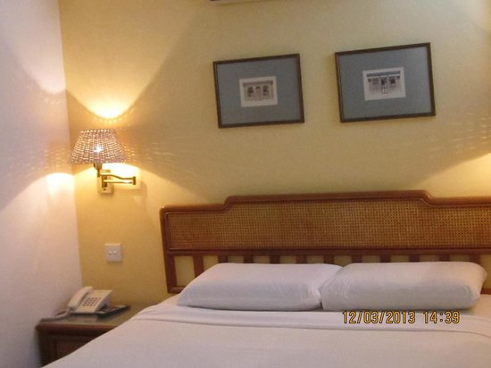 Perak Hotel:                   Double bed