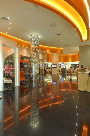 HARRIS Hotel & Conventions Kelapa Gading Jakarta:                   Lobby