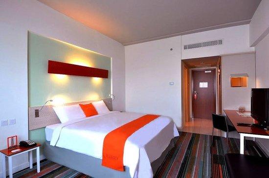 HARRIS Hotel & Conventions Kelapa Gading Jakarta:                   Bedroom
