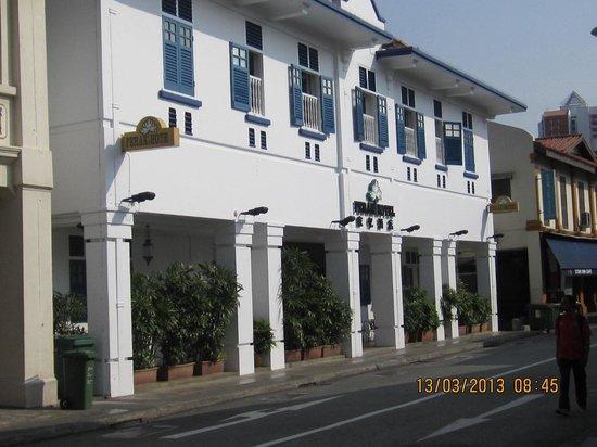 Perak Hotel:                   the facade
