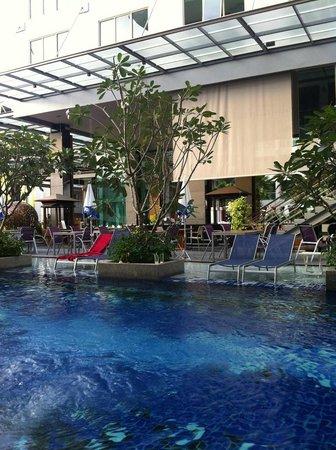 The KEE Resort & Spa:                   من الغرفة الارضية مع دخول للمسبح