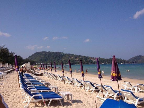 La Flora Resort Patong:                   Patong beach just metres away from La Flora