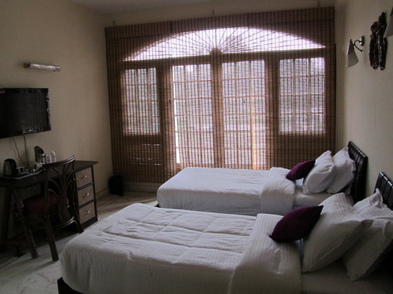 TIW Home Stay :                                     Twin Room
