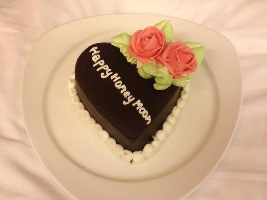 La Flora Resort Patong:                   Our honeymoon cake