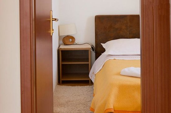 Palma Apartments: room