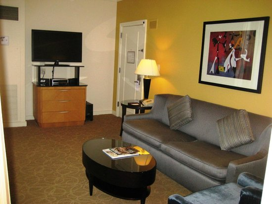 The Gwen, a Luxury Collection Hotel, Chicago:                   Sitting room, suite on top floor