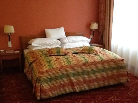 Mercure Josefshof Wien:                   Mercure Hotel,Zimmer zum Innenhof