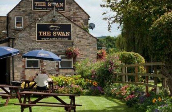 The Swan: Garden Area