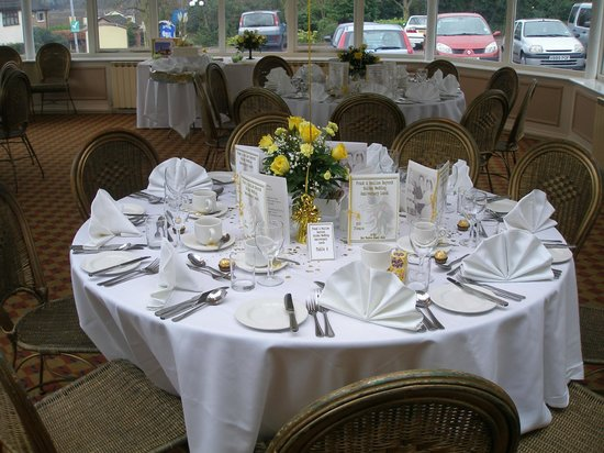 Himley Country Hotel:                   Dining Table