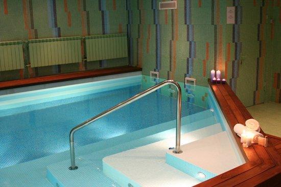 Segevold Hotel: Swimming pool