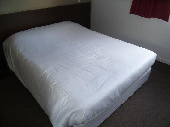 Hotel Republique :                   Bedroom