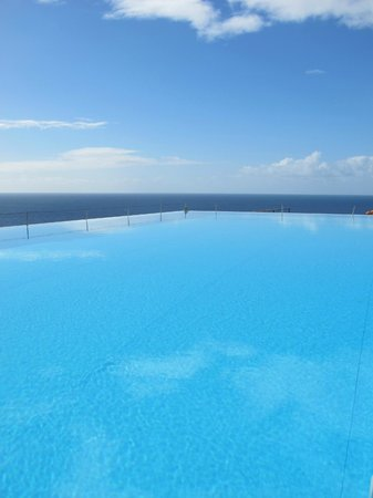 Estalagem Ponta do Sol:                   Infinity Pool