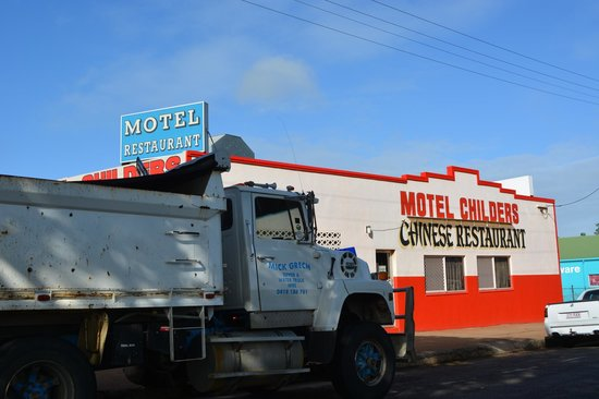 Motel Childers:                   From across the road. The Chines Resturant beside. Truckies like that they can