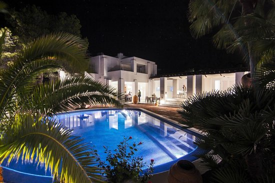 Hotel Village Ibiza: Pool and bar area