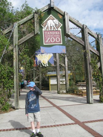Tampa's Lowry Park Zoo:                   Entrance to Zoo