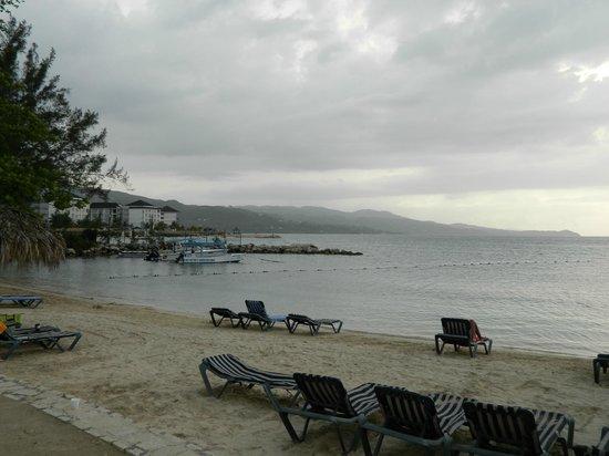 Sunscape Splash Montego Bay:                                     Beach