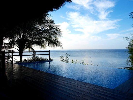 Eskaya Beach Resort & Spa:                   villa (balai 3) with infinity pool and sea view