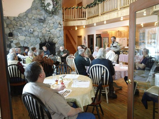 Amber Bear Inn: Sheriff Tom Rummel thanking Veterans For Service