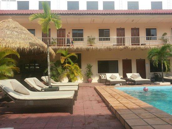 Beach Club Resort:                   Poolside