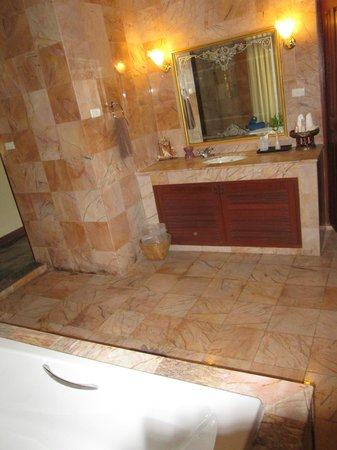 Viva Vacation Resort:                                     Bathroom