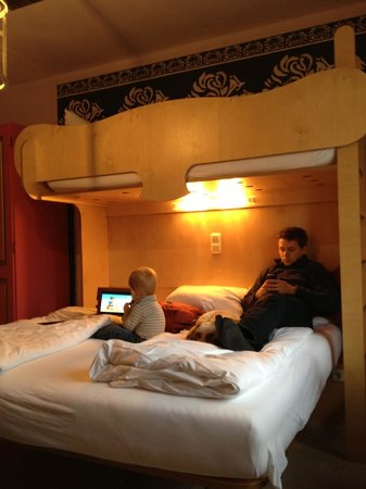 Hotel Fantasia:                   double bed with a twin bunk above