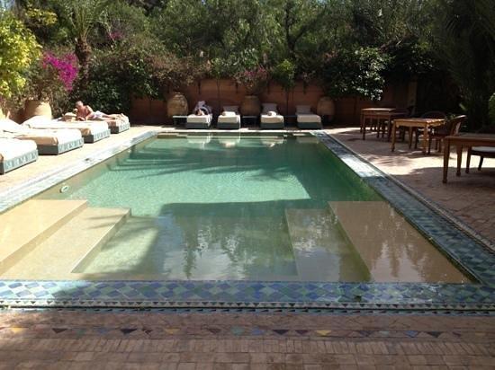 Dar Rhizlane :                   piscine