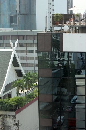 Salil Hotel Sukhumvit Soi 11:                   view back to street from one of two rooms