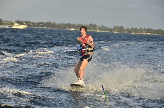American WaterSports :                   wakeboard