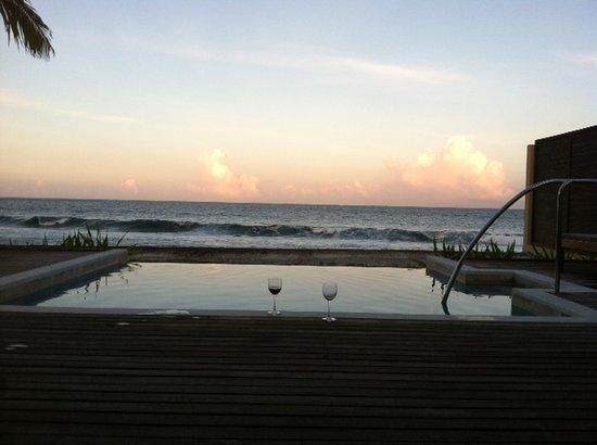 เชอราตัน มัลดีฟส์ ฟูลมูน รีสอร์ท&สปา:                   Sunset view from our room