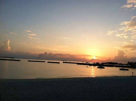 Sheraton Maldives Full Moon Resort & Spa:                   Sunset View from the beach