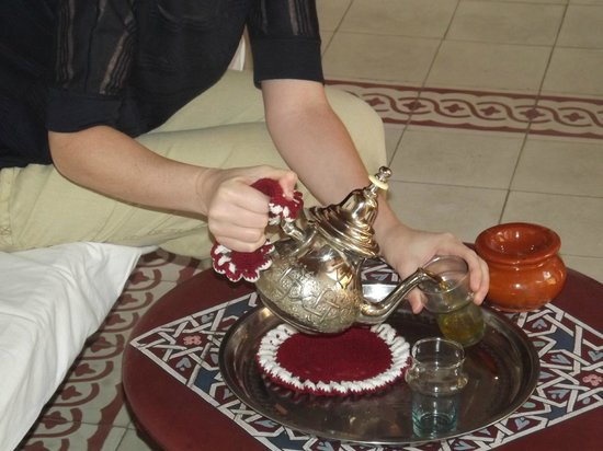 Riad Ineslisa:                   Mint Tea for two