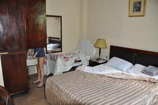 The Lion's Den Hotel:                   Camera da letto, appartamento 203 secondo piano