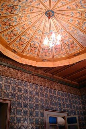 La Chambre bleue :                   Our bedroom ceiling