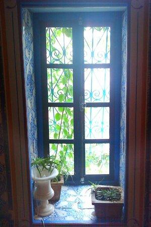 La Chambre bleue :                   Bedroom window