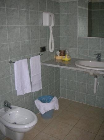Albergo Romana :                   panoramica servizi igienici