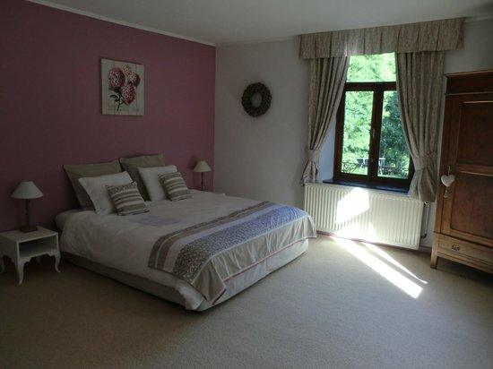La Maison de l'Eveil : Chambre familiale Quartz Rose