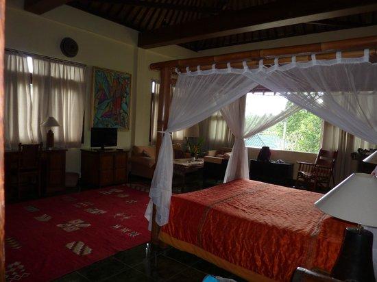 Alam Indah:                   Room