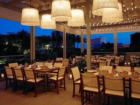 ‪‪Four Seasons Hotel Miami‬: Edge Steak & Bar Terrace‬