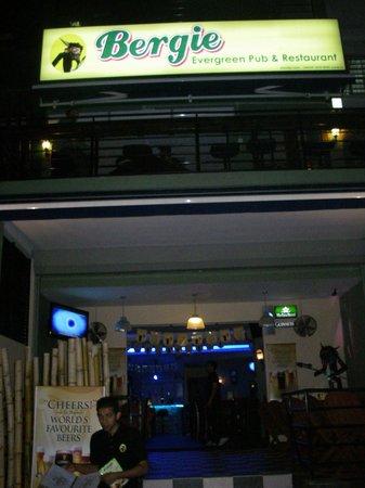Foto de Bergie Evergreen Bar and Restaurant
