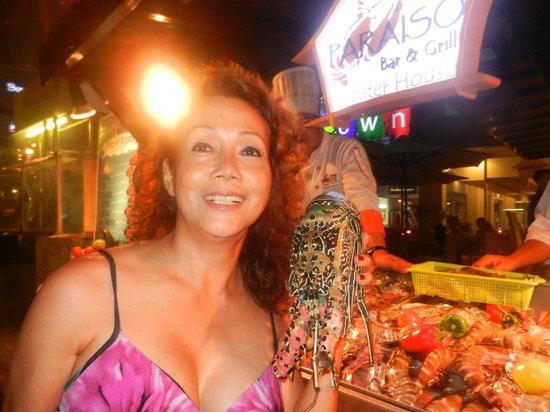 Paraiso Grill:                   jumbo lobster