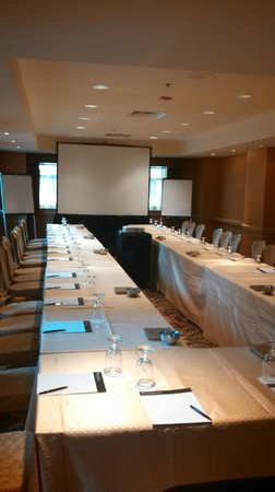 InterContinental Chicago:                   Meeting Room