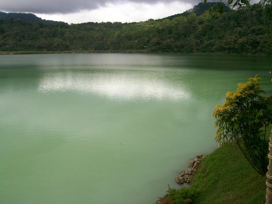 Tomohon, Indonesia:                   Danau Linau