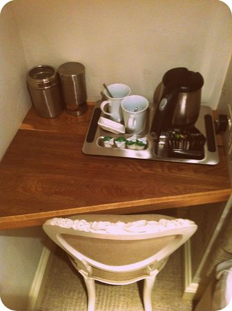 Lorne House:                   Complimentary tea/coffee/hot chocolate