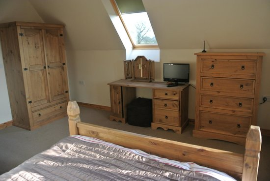 Oasis Lodges:                   master bedroom