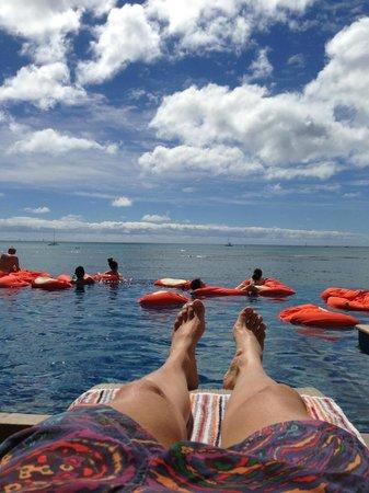 Sheraton Waikiki:                   Poolside Cabana