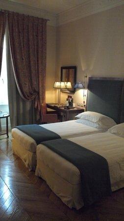 Rose Garden Palace:                   Bedroom